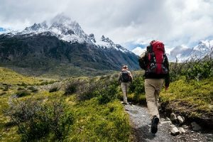 how much water to carry and drink while on hiking