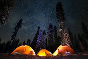 how to camp without electricity