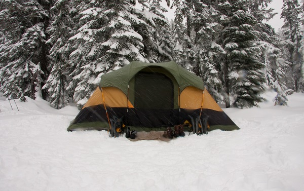 tent weight comparision depending on seasonality