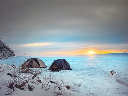 Tips for setting up a tent in snow