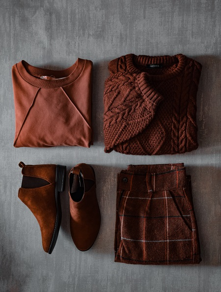 winter clothings and boots
